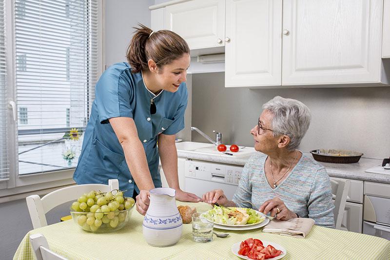 Aide aux repas à domicile Alpes-Maritimes
